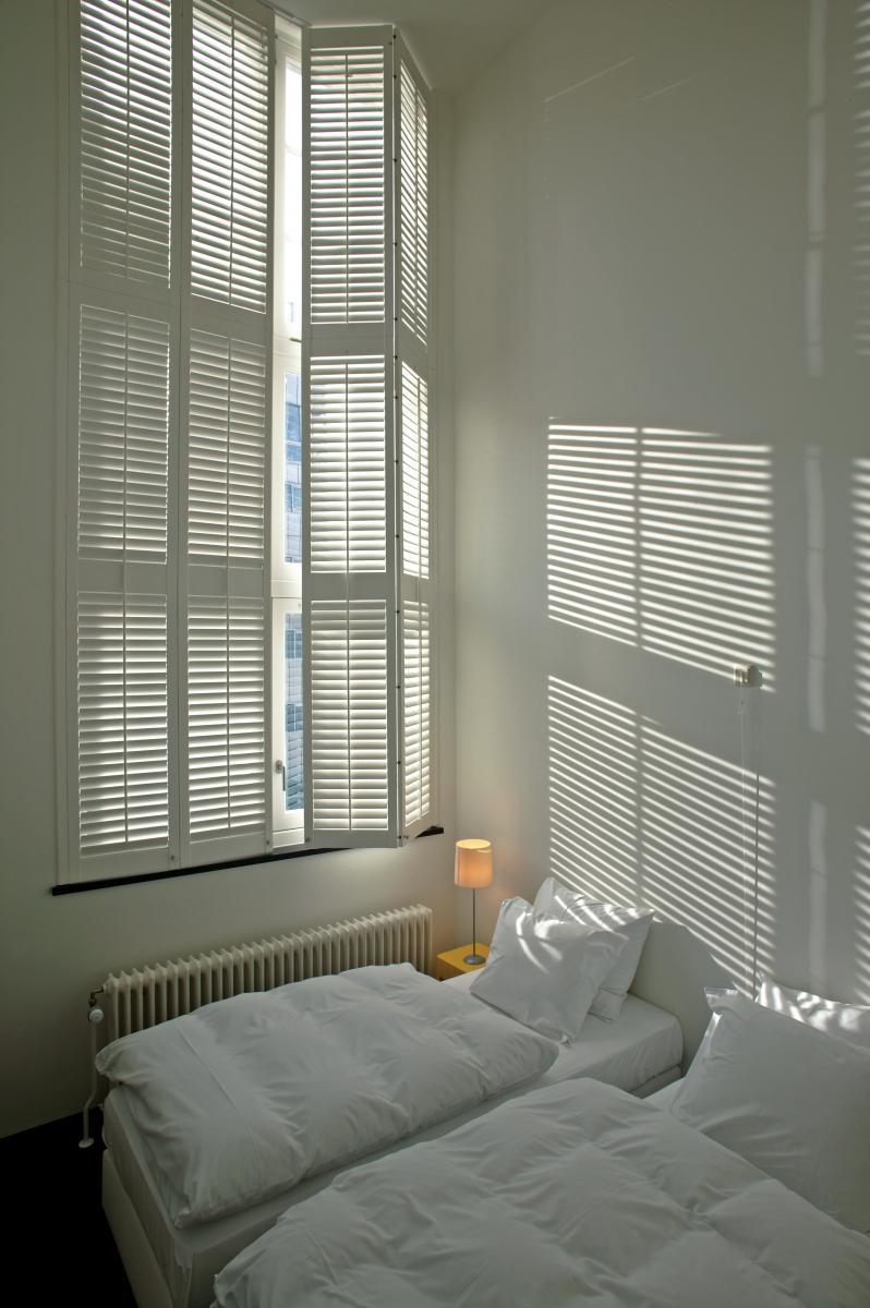raamdecoratie voor grote ramen raamidee